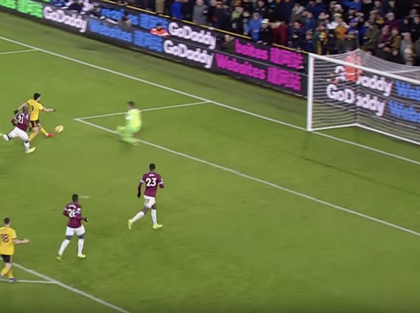 Raúl Jiménez vs West Ham.png