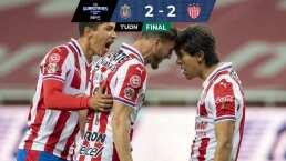 Chivas rescata el empate con dramático gol en la última jugada