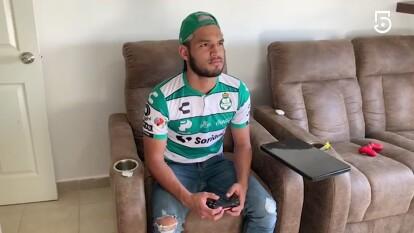 Eduardo Aguirre venció por la mínima a Carlos Gutiérrez en el futbol virtual.