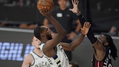 Con un marcador de 103-94 a favor, el Miami Heat finiquita la serie y manda a los Bucks de vuelta a Milwaukee.