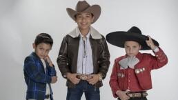 """Ponchito Sandoval, Santiago Ervey y Alejandro Millán cantan """"Acá entre nos"""""""