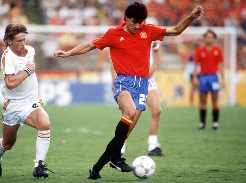 1986 World Cup Quarter Final, Puebla, Mexico, 22nd June, 1986, Belgium 1 v Spain 1, (Belgium win 5-4 on penalties), Spain's Michel is challenged for the ball by Belgium's Frank Vercauteren