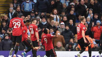 Con goles de Marcus Rashford y Anthony Martial, El Manchester United se impone1-2 Al manchester City en el Etihad Stadium.