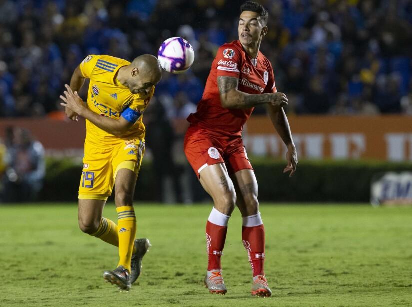 Toluca se aleja de la zona de clasificación mientras que los universitarios caminan tranquilos a la 'fiesta grande'. Canelo (49') salió expulsado y dejó a los visitantes en desventaja. Salcedo (83') anotó el solitario gol.