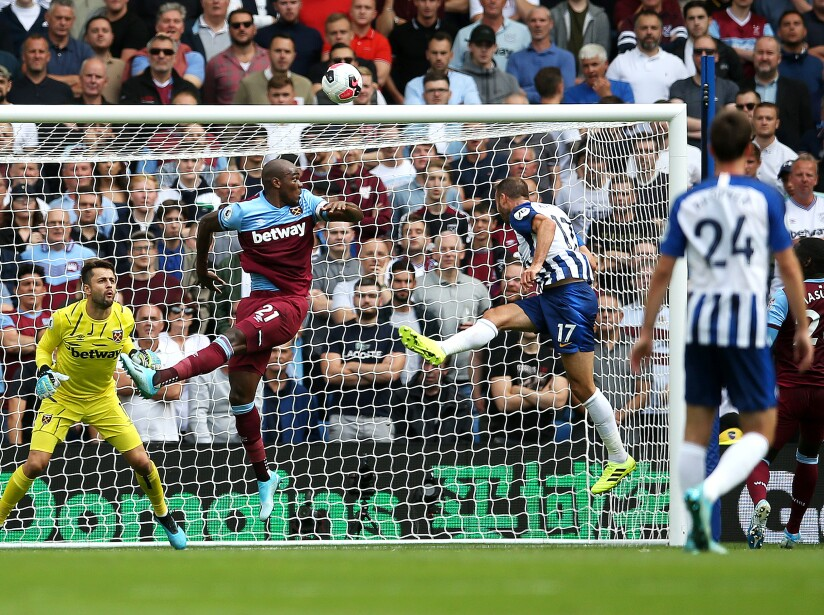 Chicharito anota y West Ham empata ante el Brighton.