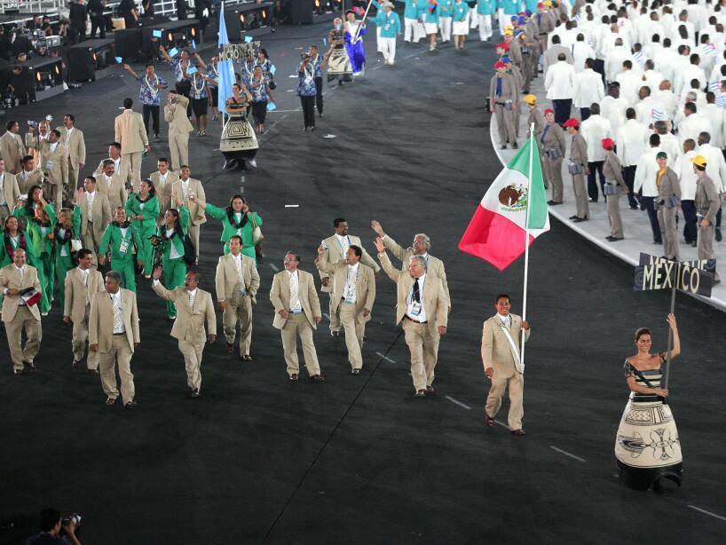 Mexico's Fernando Platas Alvarez leads h