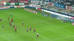 ¡Nico Sánchez falla el penalti, Orozco se estira y tapa!