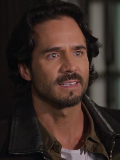 """En """"La Desalmada"""", 'Rafael' decide llevarle una serenata a 'Fernanda' para conseguir su perdón."""
