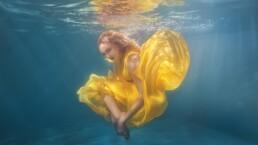 Cáncer puede ser muy tímido o muy brillante, cambia como el agua