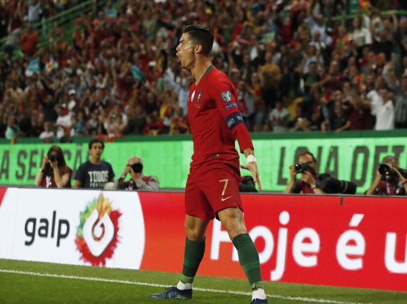 Portugal goleó a Luxemburgo 3-0