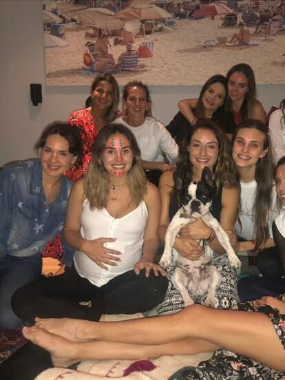 Zuria Vega compartió fotos del ritual que su hermana Marimar le organizó, previo al nacimiento de Luka, nombre que llevará su segundo hijo.