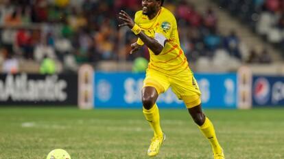 Emmanuel Adebayor – el delantero nacido en Togo conquistó toda Europa tras haber jugado en nueve equipos distintos, entre los nombres resaltan Monaco de Francia, Arsenal y Manchester City de Inglaterra, Real Madrid de España y ahora jugará para el Olimpia de Paraguay.