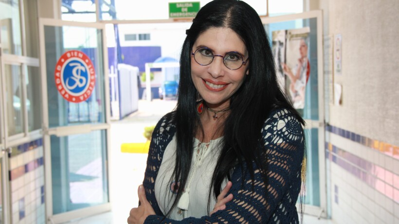 ENTREVISTA: ¡Raquel Garza se convierte en maestra de secundaria!
