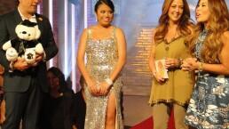 Vero Solís regala vestido de graduación