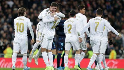 Con goles de Karim Benzema, Federico Valverde y Luka Modric, el Real Madrid sigue con la presión sobre el Barcelona.