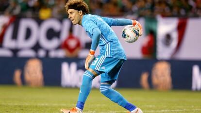 Con 34 años, Guillermo Ochoa podría dejar al Standard Lieja y volver al club con el que se formó.