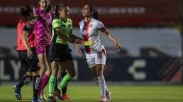 Carolina Jaramillo expulsada por patear a jugadora de Querétaro