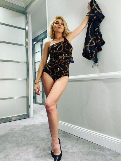 Hace unas semanas, Itatí Cantoral confirmó que protagonizaría al lado de Juan Soler la nueva producción de Nicandro Díaz, la cual lleva por título 'La mexicana y el güero'. Ahora, la actriz causó revuelo al aparecer en traje de baño, como parte de uno de los looks que lucirá en la telenovela.