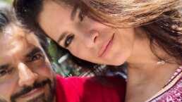 Alessandra Rosaldo se burla de la pijama de elfo de Eugenio Derbez y él le pide que lo deje en paz