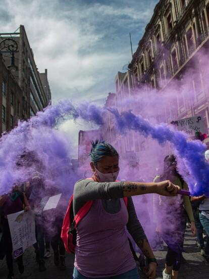 El pasado 8 de marzo se manifestaron miles de mujeres en la Ciudad de México y el resto de la República mexicana para exigir sus derechos y abolir la violencia de género. A continuación, te contamos cómo se vivió en imágenes.