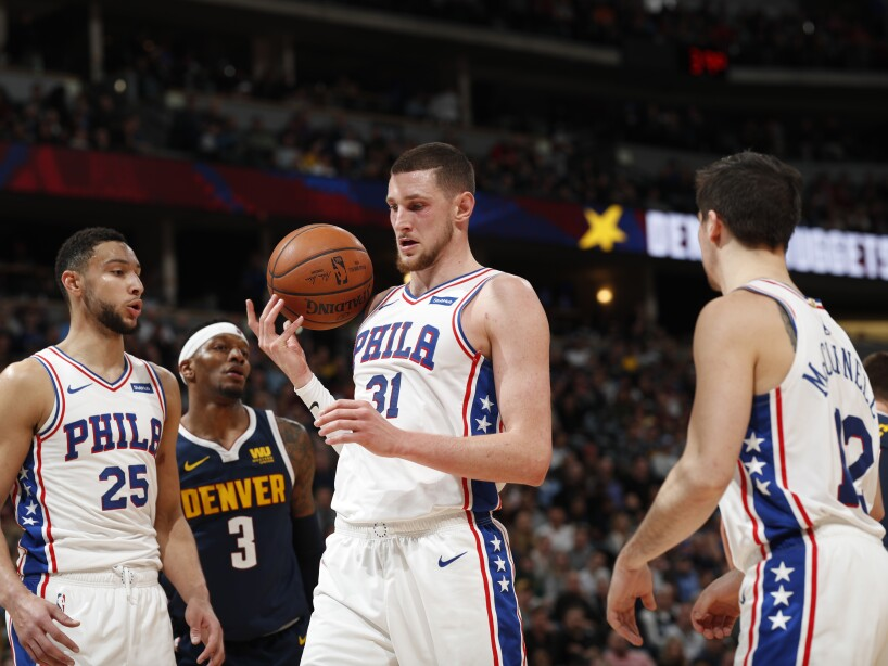 Philadelphia 76ers guard Ben Simmons (25), Philadelphia 76ers forward Mike Muscala (31), Philadelphia 76ers guard T.J. McConnell (12), r m