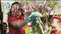 Marisol González enseña a sus hijas a cuidar el ambiente por medio de los sentidos