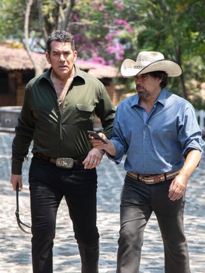"""En """"La Desalmada"""", 'Octavio' (Eduardo Santamarina) está preocupado por los problemas que 'Fernanda' (Livia Brito) le pueden causar."""