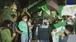 ¡Festejan en las calles! Afición de León celebra el pase a la Final