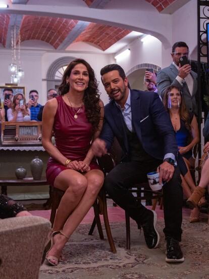 El elenco de 'Qué le pasa a mi familia?' se reunió el pasado jueves en un evento exclusivo digital para presentar ante la prensa la telenovela y dar un pequeño adelanto de lo que podrán ver a partir del lunes por Las Estrellas.