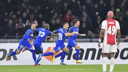 Ajax ganó 2-1 el juego de vuelta, pero perdió en el marcador global 3-2. | Apenas con cinco minutos de juego, Mata adelantó al Getafe para poner el global 3-0.