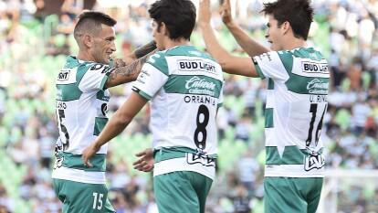 Santos logró su cuarto triunfo consecutivo en Liga MX tras vencer 3-1 a Puebla en la Fecha 4. <br />