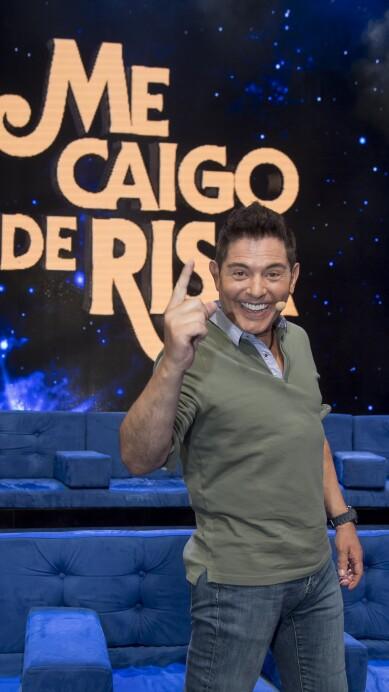 Me Caigo de Risa - Ernesto Laguardia