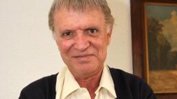 """""""El que no sonríe, no merece vivir"""", Juan Peláez"""