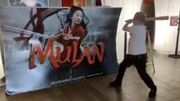 Propietario de cine francés destruye publicidad  de Mulán