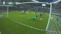 ¡Máquina sofocante! Memo Ochoa le quita el gol al 'Cabecita'