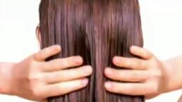 Efectos negativos de dormir con el cabello mojado