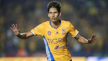 El talentoso delantero mexicano ha sido buscado por un club de la MLS y este les ha dado el visto bueno para jugar la próxima temporada con ellos.