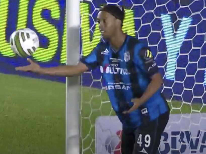 Ronaldinho, 7.png