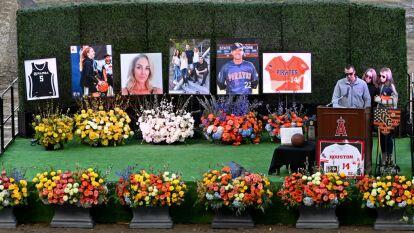 La ciudad de Anaheim rindió homenaje a la Familia Altobelli, el coach John, su esposa Keri y su hija Alyssa, fallecidos junto a Kobe Bryant en un ccidente aéreo.