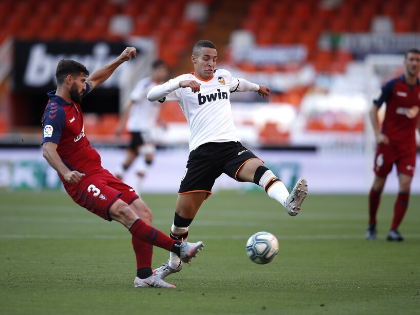 Valencia CF v CA Osasuna - La Liga