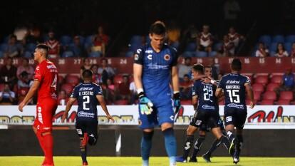 Veracruz solamente logró anotar por la vía penal a través de Bryan Carrasco pero después se colapsó.