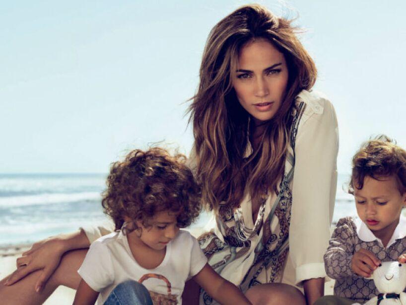 1. Jennifer Lopez: En 2008, J.Lo se convirtió en la orgullosa madre de Maximilian David y Emme Maribel.