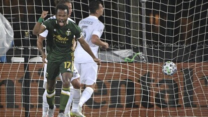 LA Galaxy de Javier Hernández regresa con el pie izquierdo y caen en casa ante el Portland Timbers. El Chicharito falló un penal y después consiguió su primer gol con el club.