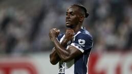Aké Loba sufrió infección estomacal y no entrenó con Rayados