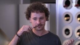Luisito Comunica pierde reto contra Montserrat Oliver y termina comiendo insectos