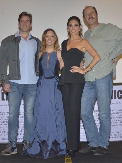 Juan Diego Covarrubias, Regina Blandón, Patricia Manterola y Rodrigo Murray, contentos de seguir con la segunda temporada de Renta Congelada.