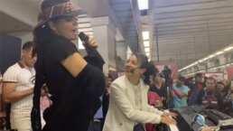 Ana Bárbara y Flor Amargo arman fiesta en el metro de la Ciudad de México