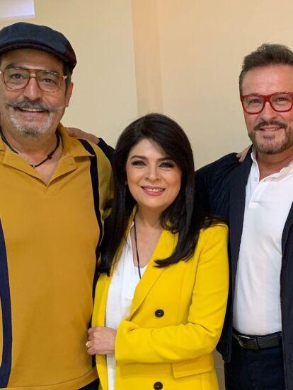 'Cita a ciegas' es la próxima telenovela de Pedro Ortiz de Pinedo. La producción, que se estrenará en 2019, relatará las aventuras de Lucía, una periodista busca el amor. Victoria Ruffo y Arturo Peniche formarán parte del elenco. Conoce al resto de los personajes aquí.