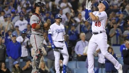 Los Dodgers se llevan el juego 1 de la Serie Divisional de la Liga Nacional 6-0 sobre los Nationals con un brillante pitcheo de Walker Buehler y una gran ofensiva liderada por Max Muncy.