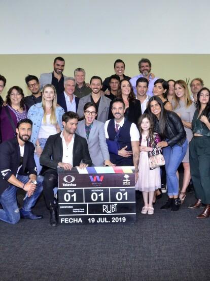 """El elenco de """"Rubí"""" se reunió por primera vez para conocerse y para dar el arranque oficial de las grabaciones de la telenovela."""